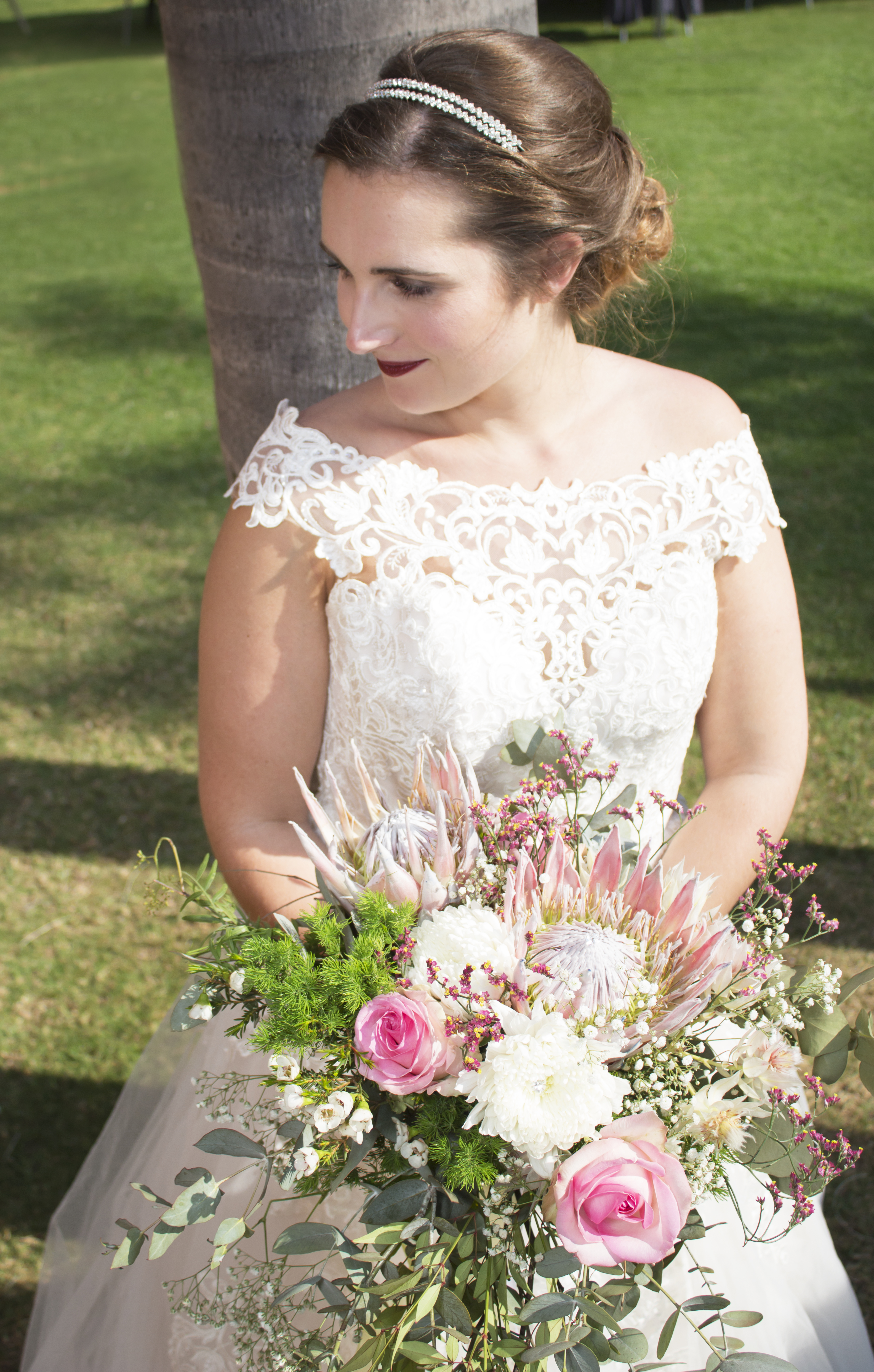 The Beauty of Small Weddings: Eleganza Real Bride Larissa wears Essense of Austrailia. Mobile Image
