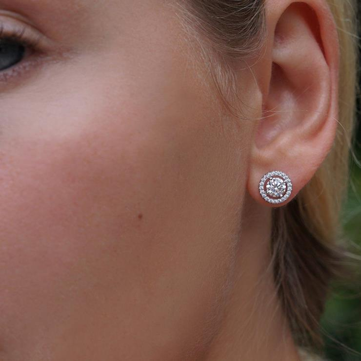 CARAT* London Gwen Round Borderset Studs Image